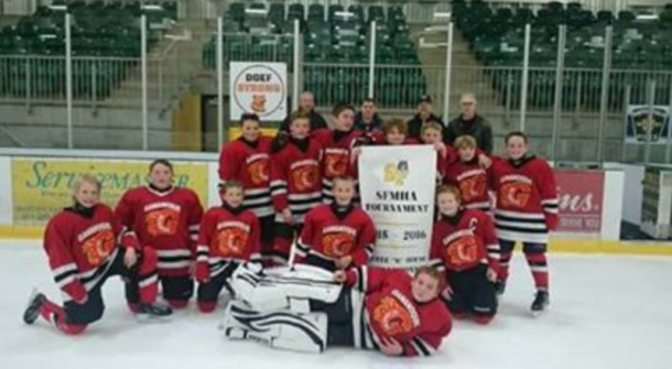 2015_peewee_red_smiths_falls_tournment_champs.png